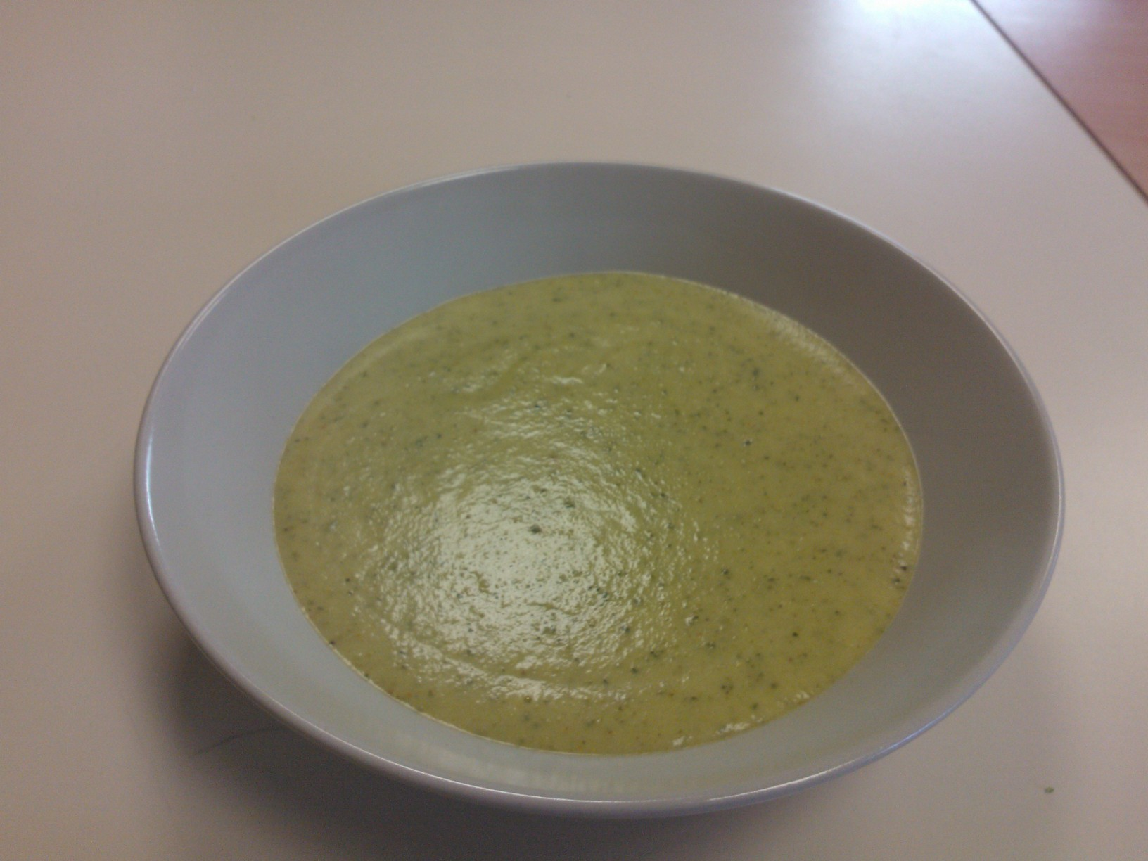VELOUTE DE COURGETTES AU CURRY